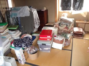 洋服好きの方の一軒家の遺品整理の施工前