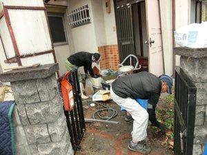一戸建ての場合(お庭に物置き、倉庫があるケース等)の施工前