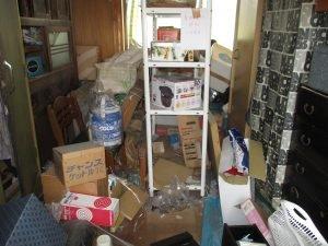 2階建て一軒家の遺品整理の施工前