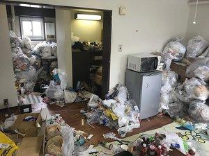 2LDK:マンションのゴミ屋敷清掃の施工前