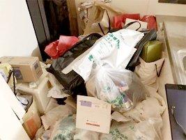 資源ごみのほか家財道具の回収の施工前