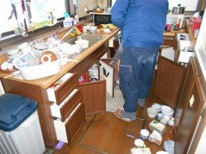 事例5・キッチンなど水回りの清掃の施工前