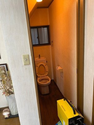 トイレでの特殊清掃 ご依頼に即対応いたしますの施工前