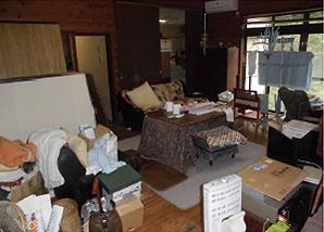 家の売買に伴う残置物撤去作業の施工前