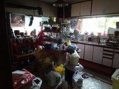 遺品整理に伴う家全体のお片付けの施工前