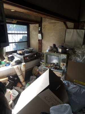 【2DK】藤井寺市でのゴミ屋敷清掃の施工前