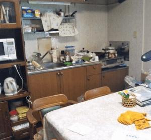 一軒家で一人暮らしされていた方の遺品の整理の施工前