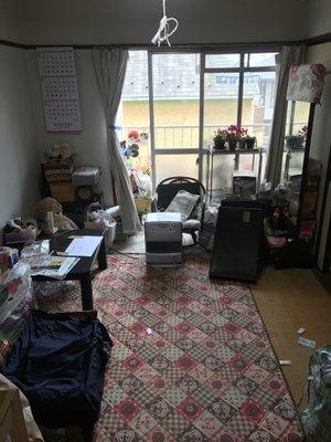 【間取り2K・作業料金20万円】引っ越しの際のお部屋片付け、清掃の施工前
