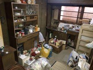 一軒家の特殊清掃と遺品整理の施工前
