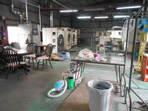クリーニング店 工場撤去工事の施工前