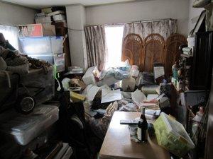 洋室での作業事例1の施工前