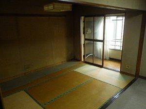 タンスや家具類・家電の回収をしましたの施工後