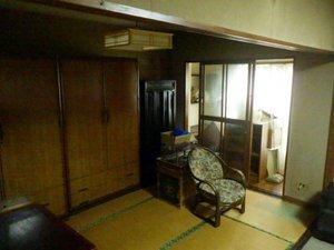 タンスや家具類・家電の回収をしましたの施工前