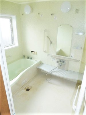 バスルームの作業の様子です。の施工後