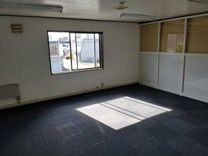 ビル2Fの15畳ワンルーム事務所 ※胆振東部地震の後の片付けの施工後
