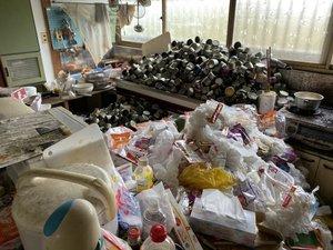 【4LDK】解体のためのゴミ屋敷整理 :260,000円の施工前