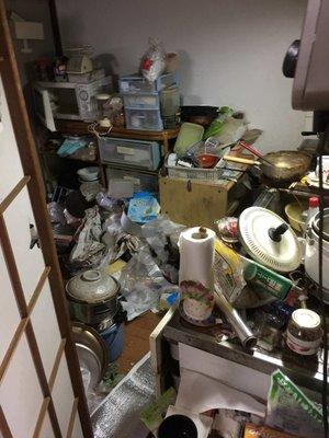 横浜市神奈川区での遺品整理の施工前