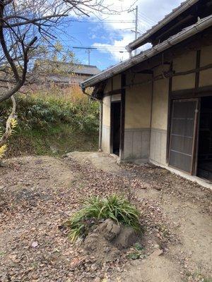 納屋のゴミ回収作業の施工後