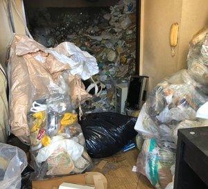 ゴミ屋敷の清掃の施工前
