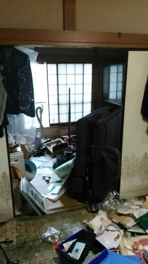 【4LDK】物量の多い遺品整理の施工前