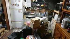 3LDKの一軒家の遺品整理の事例続き(台所)の施工前