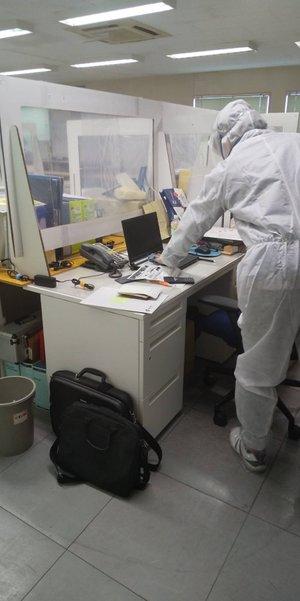 オフィス内でのコロナ除菌作業の施工前