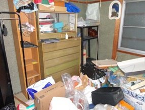 遺品整理:収納の施工前