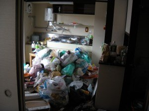 北九州市小倉北区泉台の会社住宅の清掃作業の施工前