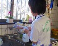 作業後の軽清掃は手抜きはせずにハウスクリーニング洗剤で仕上げます。また粗品もプレゼント。