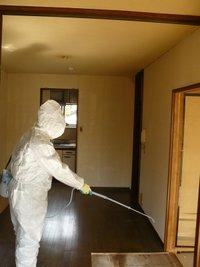 染みついた頑固な臭い、汚れも、高度な技術で徹底的に取り除き原状回復します!