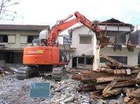 不用品の整理及び廃棄・家屋の補修及び解体・新築(ハウスメーカー等へのご紹介)も対応