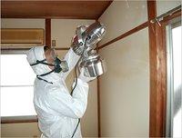 孤独死現場などの特殊清掃も自社施工しております。